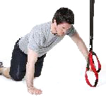 sling-training-Brust-Push Up kniend eine Hand am Griff.jpg