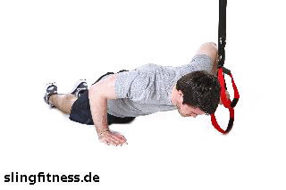 sling-training_Brust_Push Up kniend, eine Hand am Griff_2