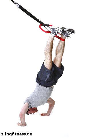 sling-training_Schulter_Schulterpresse einbeinig_2.jpg